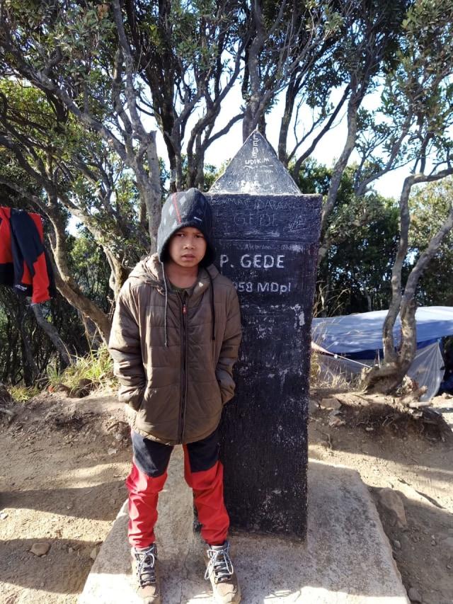 Butiran Es Temani Pendaki Cilik Gapai Puncak Gunung Gede (131575)