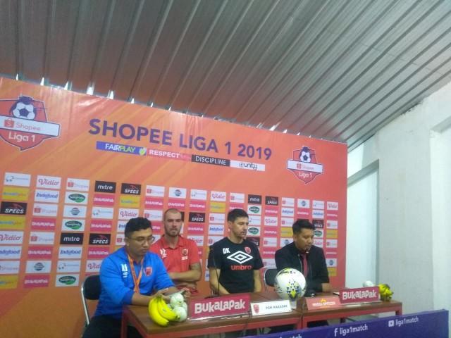 Mendapat Kartu Merah, Pelatih PSM Makassar Sebut Tim Kecewa  (1257452)