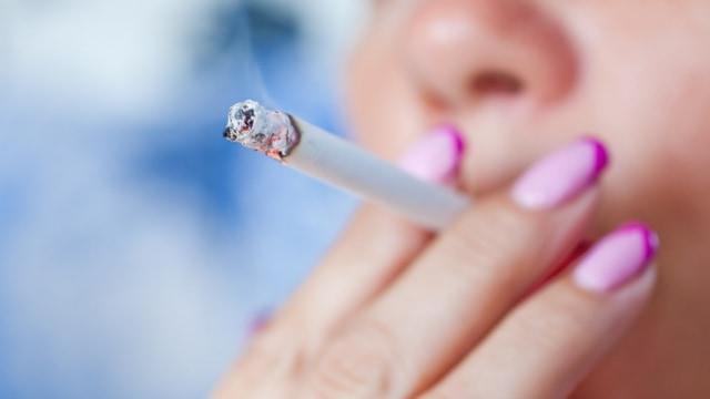 Benarkah Ibu Merokok Tidak Boleh Menyusui Bayinya? (119428)