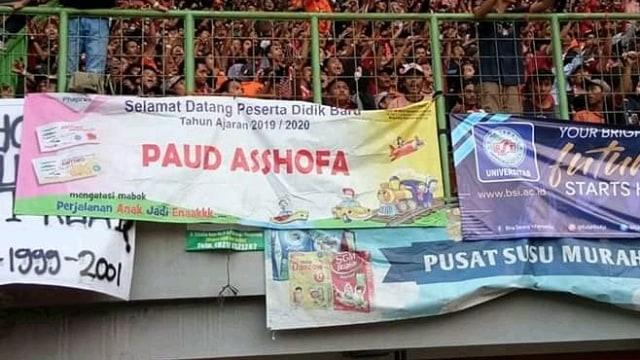 Ragam Spanduk dan Koreografi Unik yang Menghiasi Liga Indonesia (1219299)