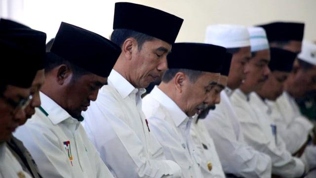 Foto: Jokowi Tinjau Pemadaman Karhutla di Riau (211077)