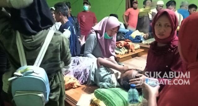 Keracunan Massal Simpenan, Polisi Ambil Sampel Makanan (491101)