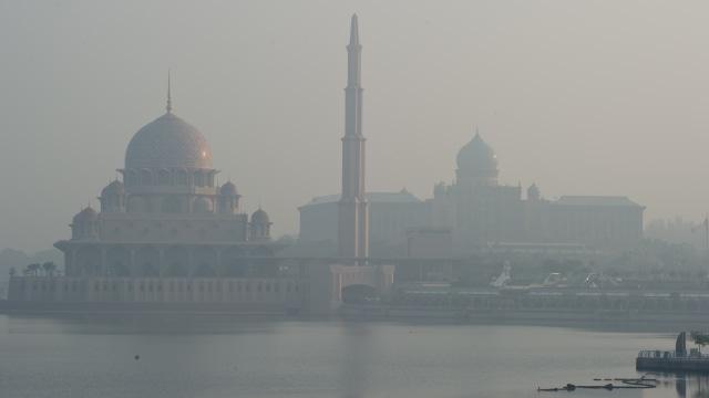 Udara Tercemar Asap, Seluruh Sekolah di Ibu Kota Malaysia Diliburkan (181245)