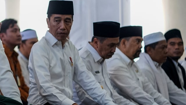 Foto: Jokowi Tinjau Pemadaman Karhutla di Riau (211078)