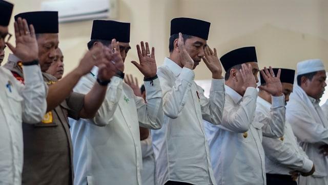 Foto: Jokowi Tinjau Pemadaman Karhutla di Riau (211073)
