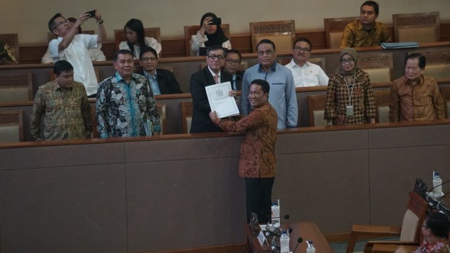 UU KPK Atur Pimpinan Minimal 50 Tahun, Bagaimana Nasib Nurul Ghufron? (2339)