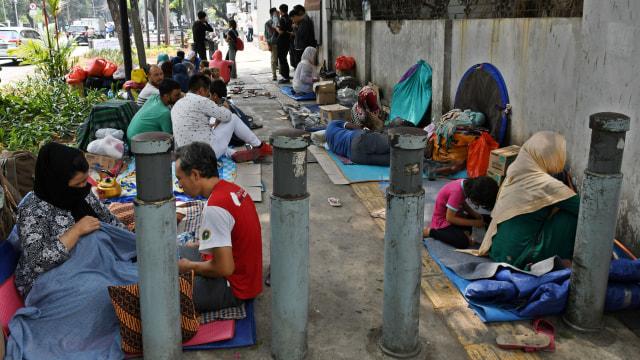 Foto: Hidup Para Pencari Suaka di Trotoar Kebon Sirih (226887)