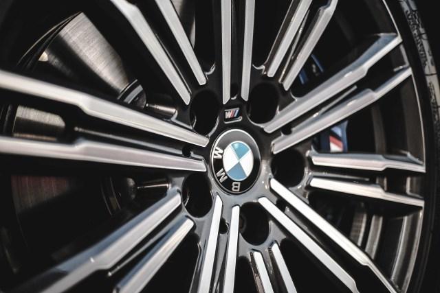 BMW Pimpin Pasar Mobil Premium Indonesia  (152636)