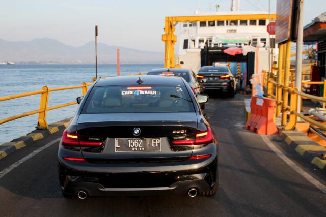 Eksplorasi BMW 330i M Sport Surabaya-Bali (127314)