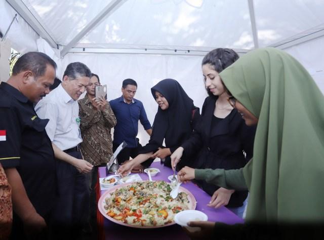 Mahasiswa Asing Pamerkan Kuliner Khas Negaranya di Unsyiah, Aceh  (735060)