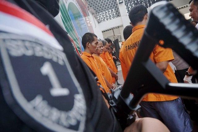 Foto: Wajah 8 Pengedar Sabu Jaringan Malaysia-Batam-Jakarta (60703)