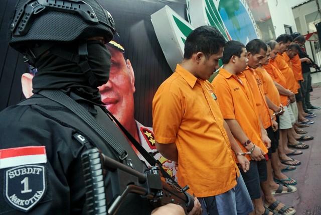 Foto: Wajah 8 Pengedar Sabu Jaringan Malaysia-Batam-Jakarta (60695)