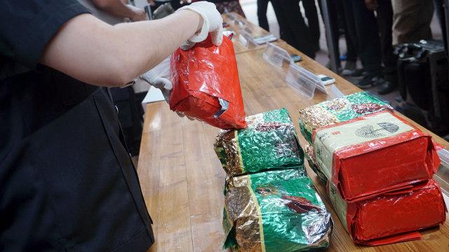 Polda Metro Bekuk Sindikat Narkoba Malaysia-Batam-Jakarta (450439)