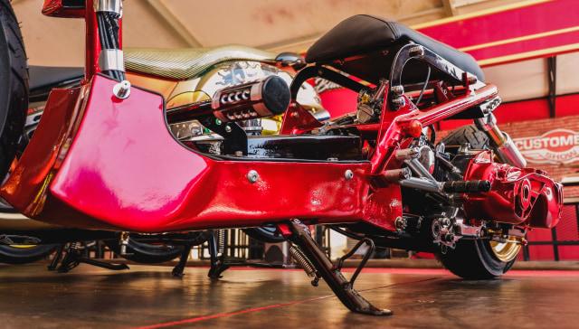 Yamaha Mio 'Berbadan' Honda Zoomer (99290)