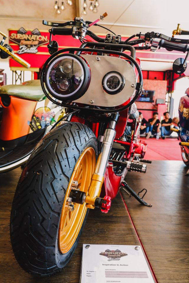 Yamaha Mio 'Berbadan' Honda Zoomer (99286)