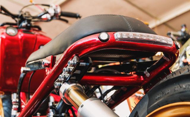Yamaha Mio 'Berbadan' Honda Zoomer (99294)