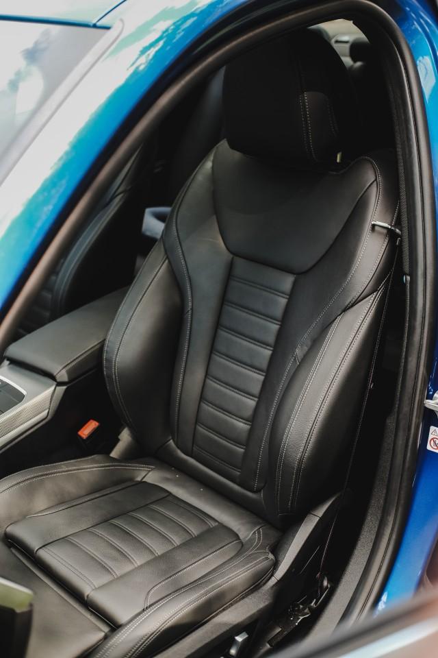 Eksplorasi BMW 330i M Sport Surabaya-Bali (127302)