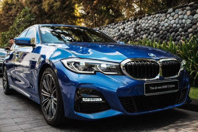 BMW Pimpin Pasar Mobil Premium Indonesia  (152632)