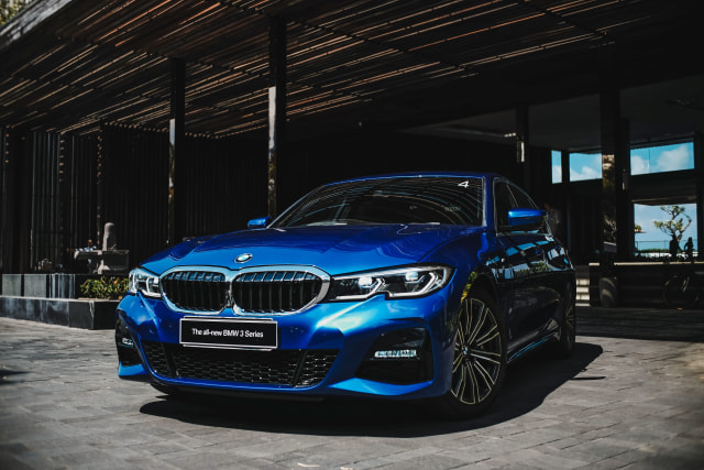 Eksplorasi BMW 330i M Sport Surabaya-Bali (127283)