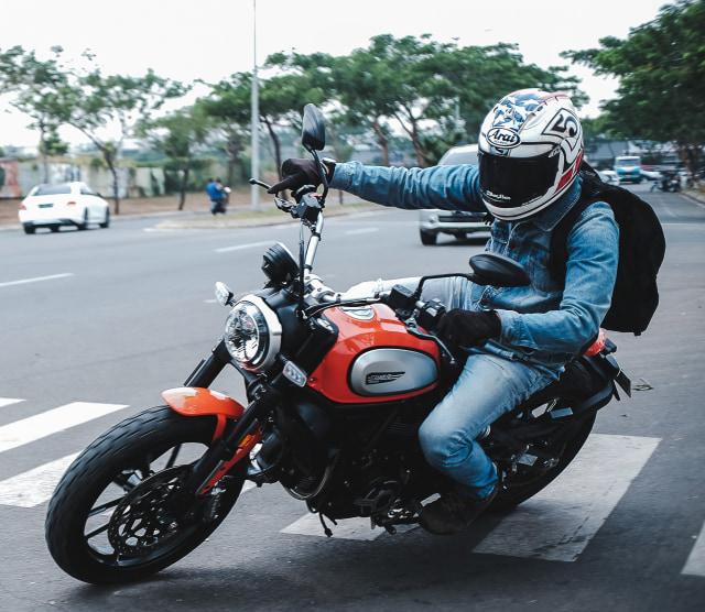 Belum Banyak yang Tahu, Ini Alasan Motor Sport Tak Punya Standar Tengah (41927)