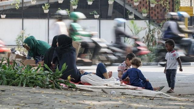 Foto: Hidup Para Pencari Suaka di Trotoar Kebon Sirih (226899)