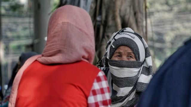 Foto: Hidup Para Pencari Suaka di Trotoar Kebon Sirih (226895)
