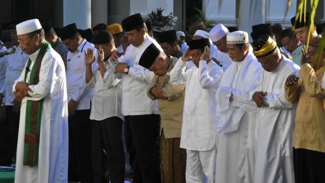 Kemarau Panjang, Ratusan Warga di Gorontalo Gelar Salat Istisqa (473477)