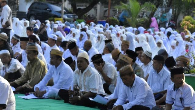 Kemarau Panjang, Ratusan Warga di Gorontalo Gelar Salat Istisqa (473485)