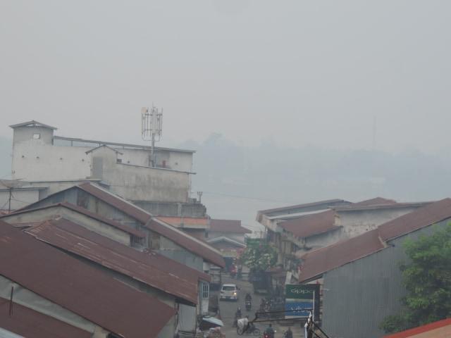 Kabut Asap Pekat Pemkab Sekadau Kalbar Perpanjang Libur