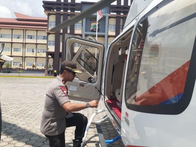Kapolda Papua Barat Pantau Unjuk Rasa di Manokwari Gunakan Helikopter (119023)