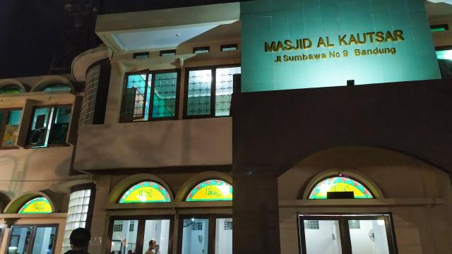 Masjid di Kota Bandung Belum Kumandangkan Azan Serentak