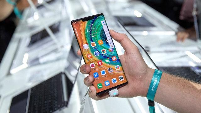 Samsung Sindir Huawei Mate 30 yang Tak Punya Layanan Google (52570)