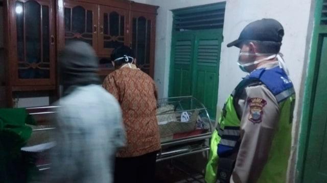 Siswi Berprestasi Asal Brebes Ditemukan Meninggal Dunia di Kamar Mandi (2746)