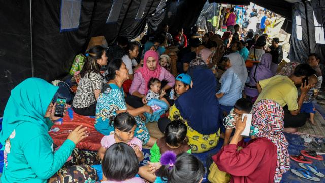 Foto: Api Hanguskan Permukiman Pasar Burung di Jatinegara  (734365)