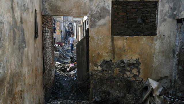 Foto: Api Hanguskan Permukiman Pasar Burung di Jatinegara  (734363)