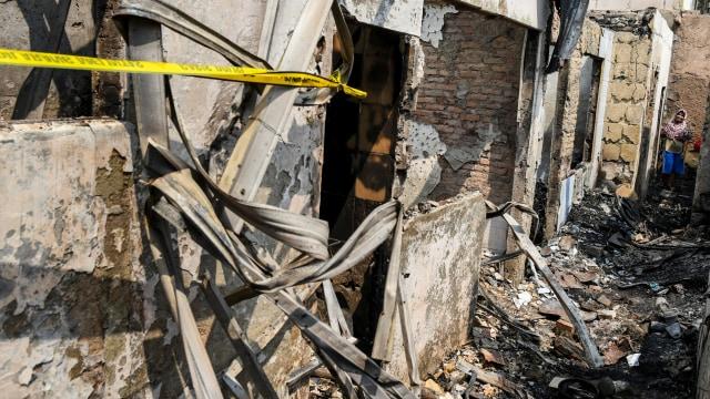 Foto: Api Hanguskan Permukiman Pasar Burung di Jatinegara  (734360)