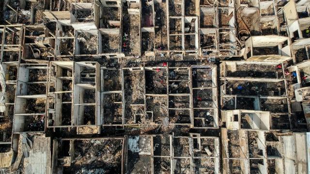 Foto: Api Hanguskan Permukiman Pasar Burung di Jatinegara  (734357)