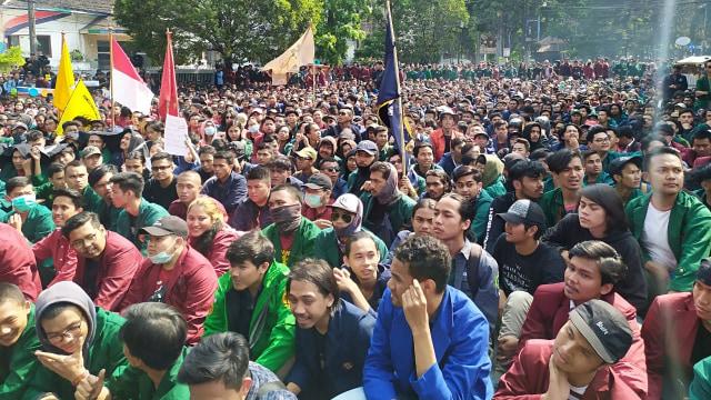 BEM SI Wilayah Jabar Akan Aksi di Gedung Sate Bandung Pukul 13.00 WIB (715694)