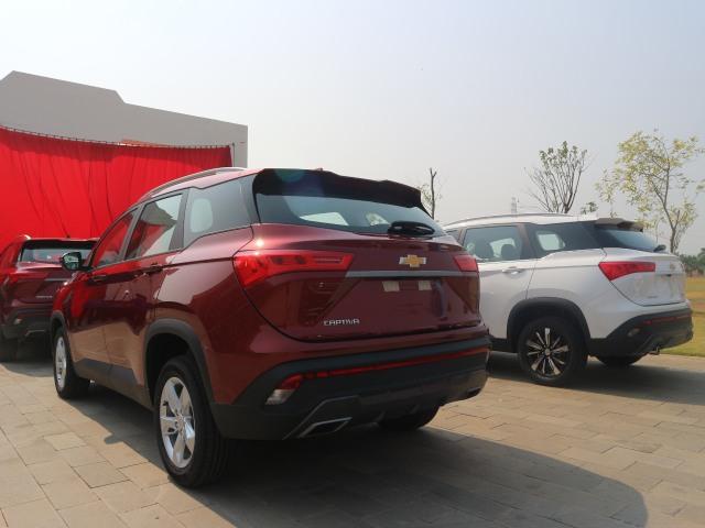 Wuling ekspor Almaz dengan emblem Chevrolet