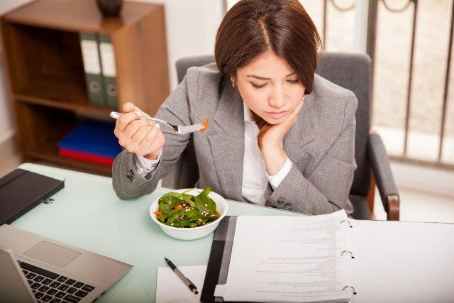 7 Cara Menurunkan Berat Badan Tanpa Diet Ketat (6)