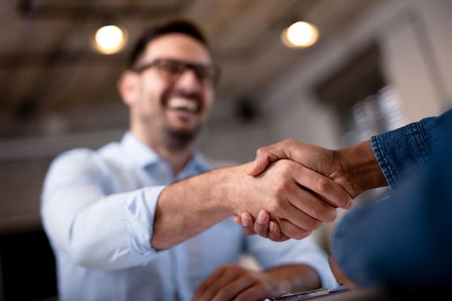 com-Ilustrasi kerja sama bisnis.