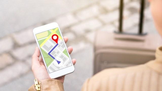 LIPSUS MOBILEMOON, Aplikasi traveling, Solo traveling