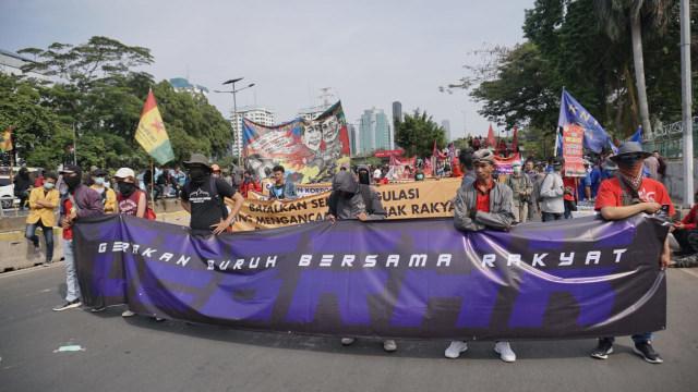 Giliran Buruh yang Berdemo (106243)