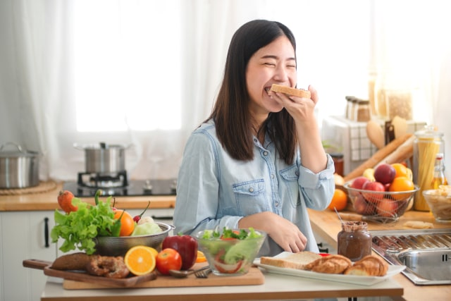 7 Cara Menurunkan Berat Badan Tanpa Diet Ketat (4)