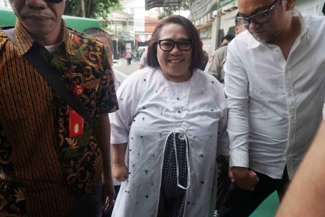 Nunung dan suaminya tiba di Pengadilan Negeri, Jakarta Selatan, Rabu