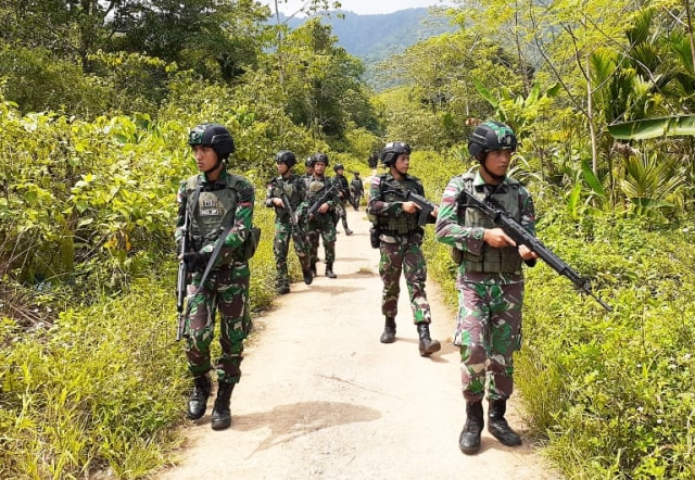 TNI Gunakan Drone Saat Intai 2 Anggota KKB yang Kabur ke Papua Nugini (150523)