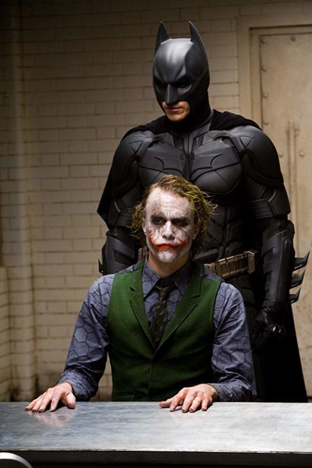 Membandingkan Joker Versi Heath Ledger dan Joaquin Phoenix (594188)