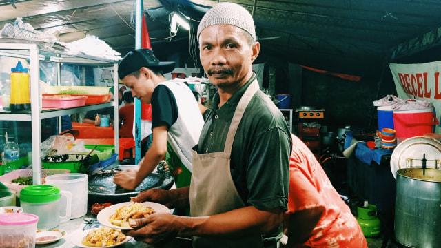 Lipsus, MRT Food Guide, Tahu Campur Pak Subari