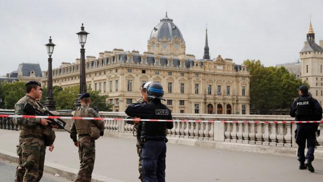 Penyerangan Kantor Polisi di Paris, 4 Petugas Tewas (227126)