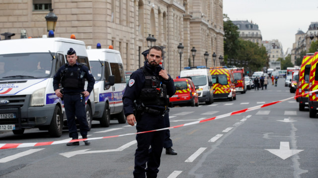 Penyerangan Kantor Polisi di Paris, 4 Petugas Tewas (227125)